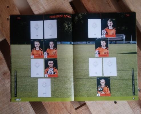 Voetbalplaatjes boek Eerbeekse Boys